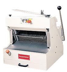 Brotschneidemaschine ARM-608